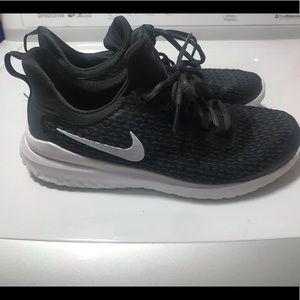 Women's Nike Renews